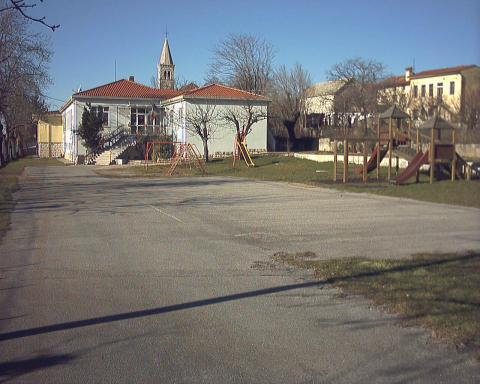 Šola v Šempolaju
